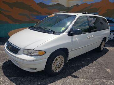 1997_Chrysler_Town & Country_LXI_ Saint Joseph MO