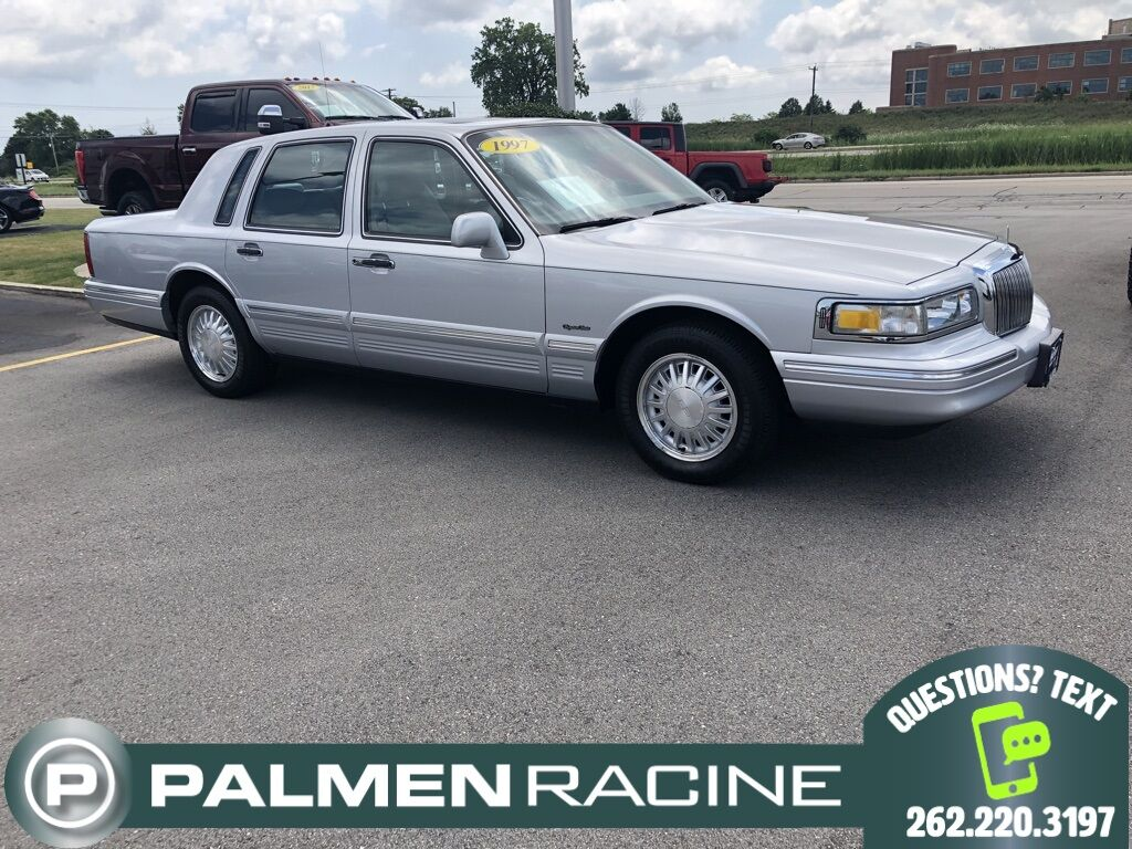 1997 Lincoln Town Car Signature Racine WI