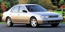 1997_Nissan_Altima_GXE_
