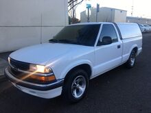 1998_Chevrolet_S-10_LS_ Portland OR