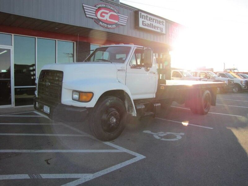 1998 Ford F800 Diesel Flatbed