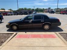 1998_Lincoln_Town Car_Executive_ Jacksonville IL