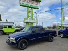 1999_Chevrolet_S-10_LS_ Eugene OR