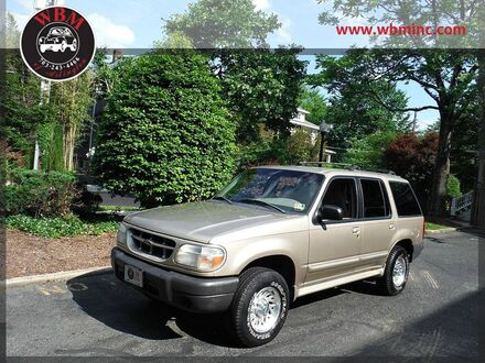 1999_Ford_Explorer_4WD XL_ Arlington VA