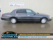 1999_Lincoln_Town Car_Executive_ Watertown SD