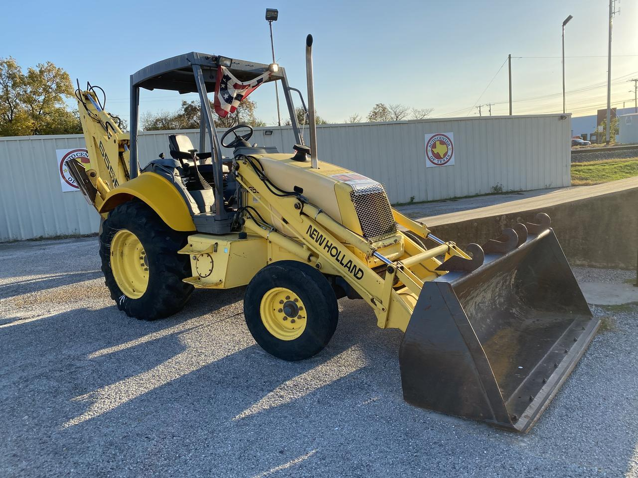 2000 FORD NEW HOLLAND 655E Terrell TX