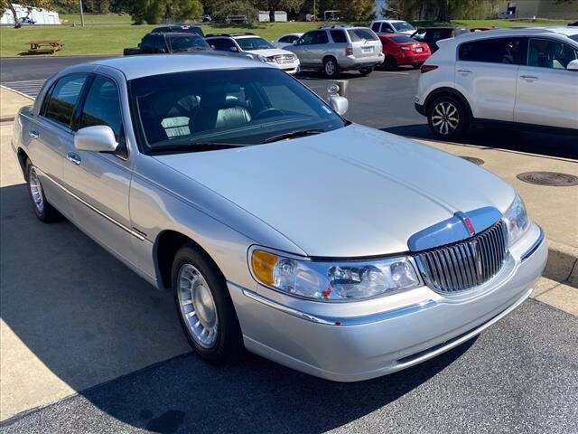 2000 Lincoln Town Car Executive Batesville AR