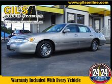 2000_Lincoln_Town Car_Signature_ Columbus GA