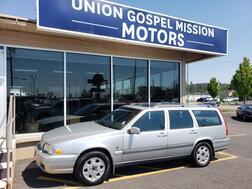2000_Volvo_V70 (Needs Work)_XC AWD_ Spokane Valley WA