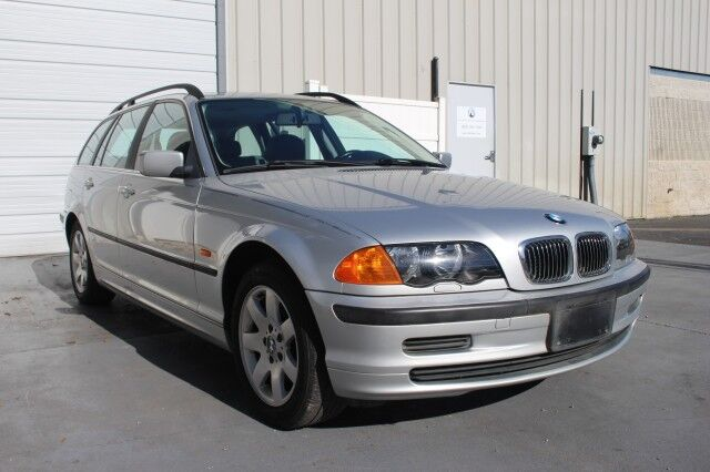 2001 BMW 3 Series 325i 325xi AWD Sport Wagon 27 mpg One Owner E46 Knoxville TN
