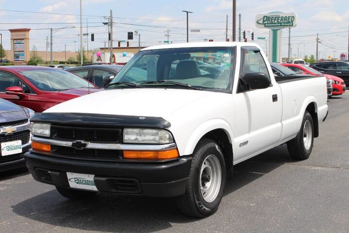 2001 Chevrolet S-10  Fort Wayne Auburn and Kendallville IN