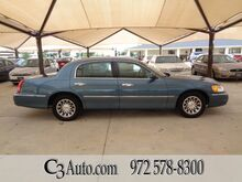 2001_Lincoln_Town Car_Signature_ Plano TX