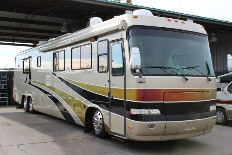 2001 Monaco Executive 43DS Double Slide Class A Diesel Pusher Mesa AZ