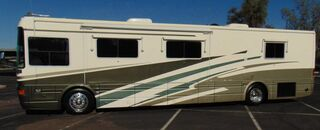 National ISLANDER 9401 DOUBLE SLIDE CLASS A LOW 25K MLS 370HP DIESEL PUSHER COUNTRY COACH DYNOMAX CHASSIS 2001
