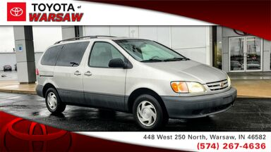 2001_Toyota_Sienna_LE_ Warsaw IN