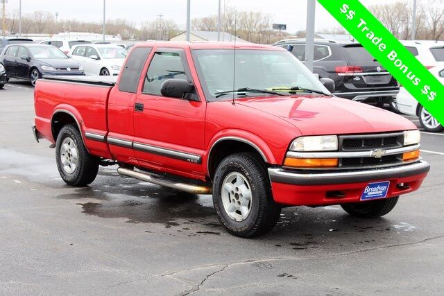 2002 Chevrolet S-10 LS Green Bay WI