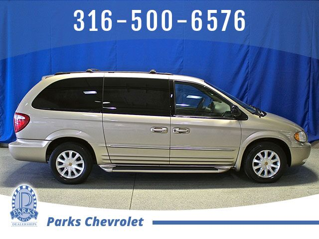 2002 Chrysler Town & Country LXi Wichita KS