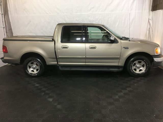 2002 Ford F-150 XLT SuperCrew Short Bed 2WD Middletown OH