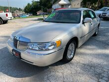 2002_Lincoln_Town Car_Cartier_ St. Joseph KS