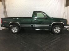 2003_Chevrolet_Silverado 1500_Short Bed 4WD_ Middletown OH