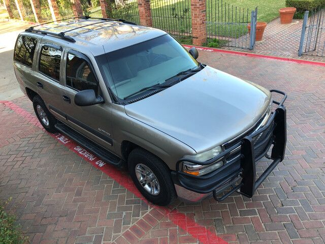 2003 Chevrolet Tahoe LS very well kept and maintained. EXCELLENT RIDE & DRIVE Arlington TX