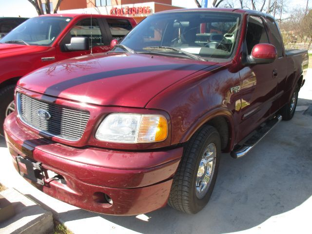 2003 Ford F-150 XL SuperCab Long Bed 2WD