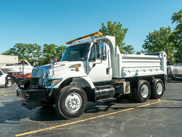 2003_International_7400_**Dump Truck**_ Chicago IL