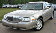 2003 Lincoln Town Car ** SIGNATURE ** - w/ LEATHER SEATS