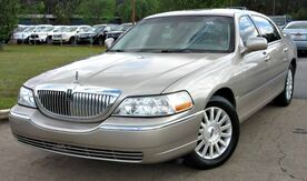 2003_Lincoln_Town Car_** SIGNATURE ** - w/ LEATHER SEATS_ Lilburn GA