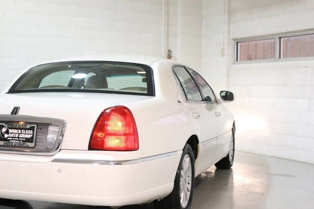 2003 Lincoln Town Car Cartier Premium - HEATED LEATHER SEATS POWER ADJUSTABLE SEATS SUN ROOF PARKING SENSORS ALLOY WHEELS Chicago IL