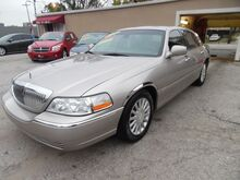 2003_Lincoln_Town Car_Signature_ St. Joseph KS