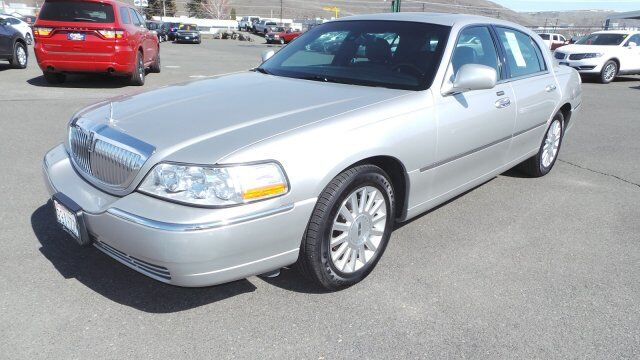 2003 Lincoln Town Car Signature Yakima WA