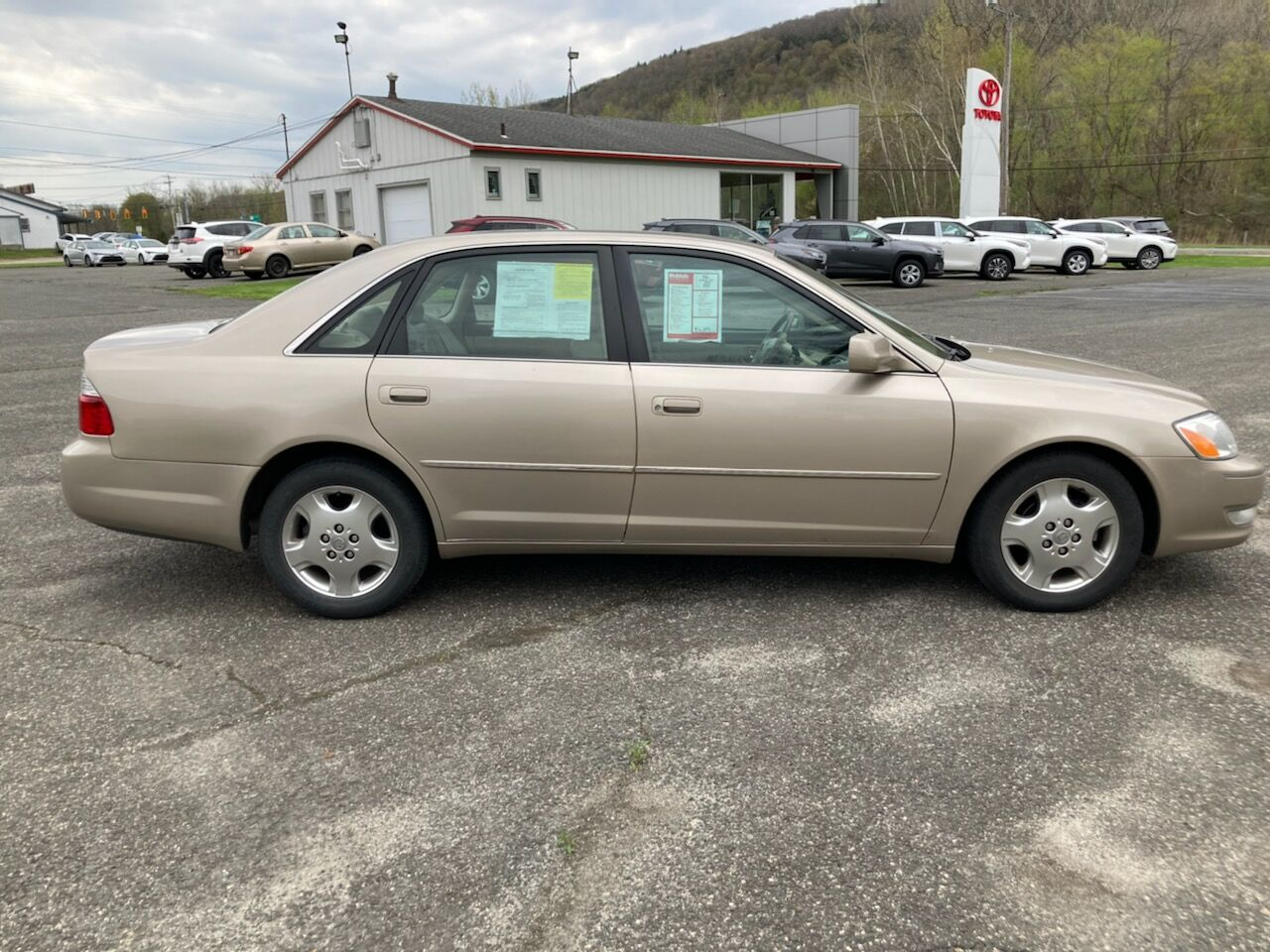 2003 Toyota Avalon XLS North Adams MA