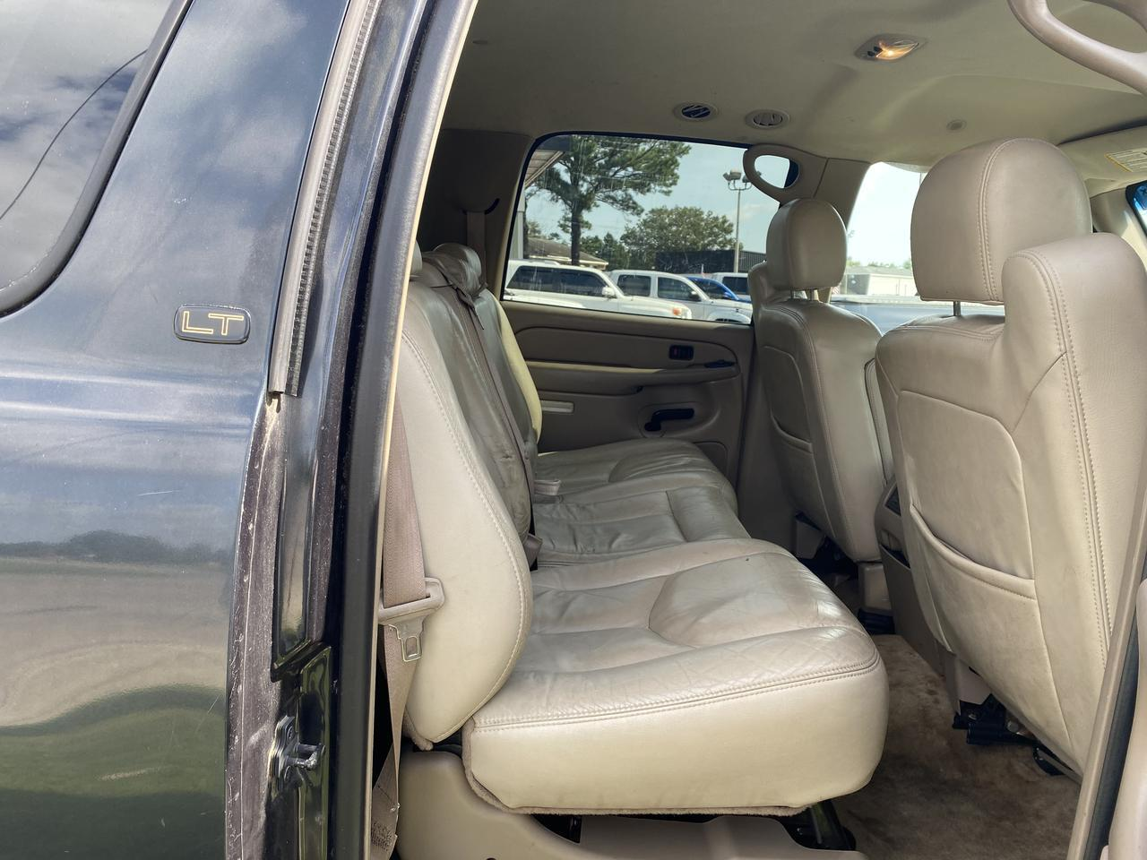 2004 CHEVROLET SUBURBAN LT 4X4, WHOLESALE TO PUBLIC, LEATHER, RUNNING BOARDS, TOW PKG, SINGLE CD PLAYER, CLEAN CARFAX! Norfolk VA