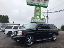 2004_Cadillac_Escalade_ESV Platinum Edition_ Eugene OR