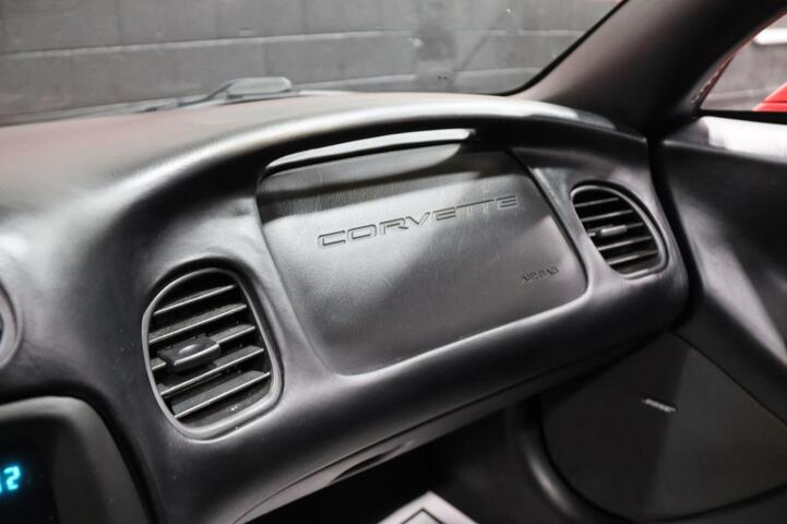 2004 Chevrolet Corvette 6-Speed Manual 2dr Coupe Chicago IL
