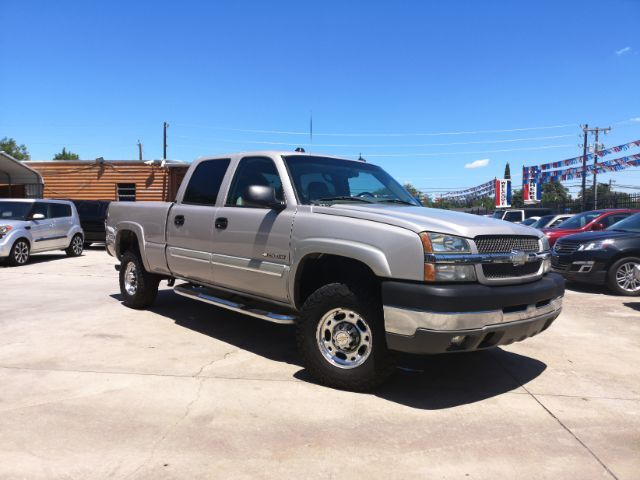 2004_Chevrolet_Silverado 2500HD_Crew Cab Short Bed 2WD_ San Antonio TX