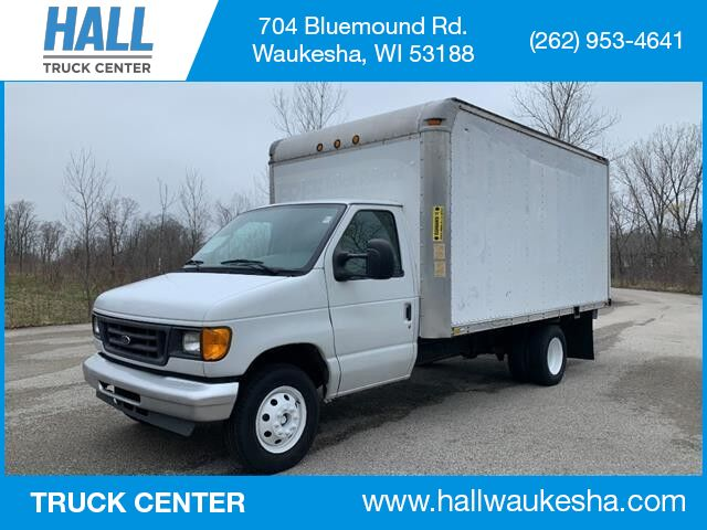 2004 Ford ECONOLINE COMMERCIAL E-350 SUPER DUTY WB Waukesha WI