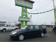 2004_Ford_Focus_SE_ Eugene OR
