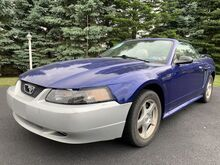 2004_Ford_Mustang_Deluxe_ Whitehall PA