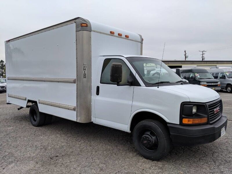 Gmc Savana 3500 >> 2004 Gmc Savana 3500 Box Truck Fountain Valley Ca 26411559