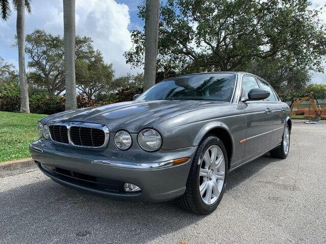 2004 Jaguar XJ Base
