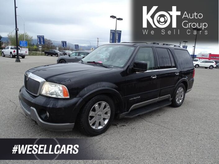 2004 Lincoln Navigator Ultimate, Heated and Cooled Leather Seats, Sunroof, 3 Row Seatin Kelowna BC
