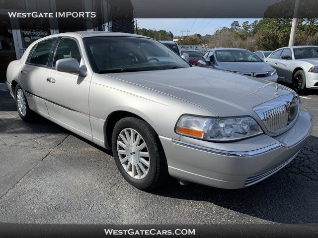 2004 Lincoln Town Car Signature Raleigh NC