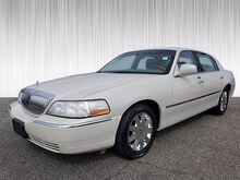 2004_Lincoln_Town Car_Ultimate_ Columbus GA