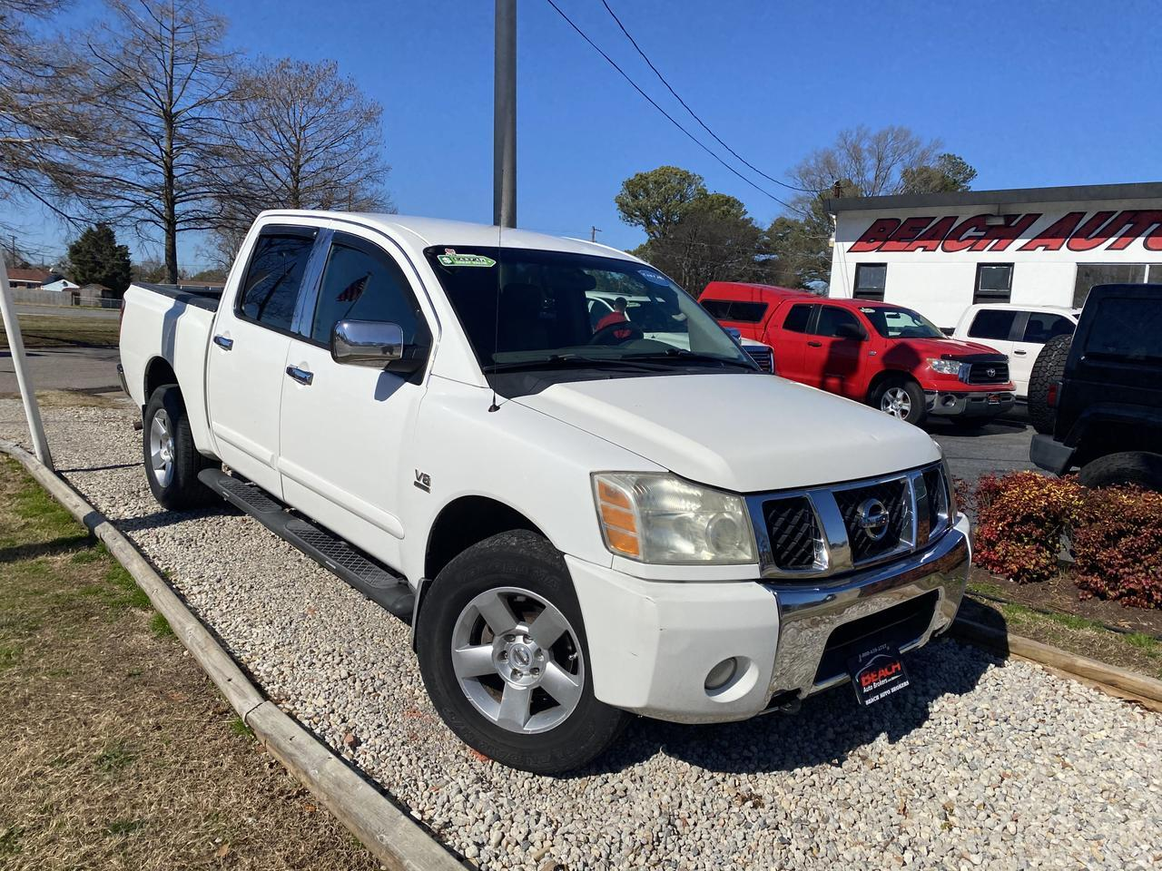 2004 NISSAN TITAN LE CREW CAB 4X4, WHOLESALE TO THE PUBLIC, AUX PORT, RUNNING BOARDS, TOW PKG, A/C!
