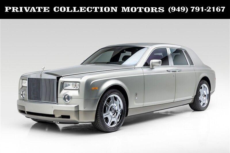 2004_Rolls-Royce_Phantom__ Costa Mesa CA