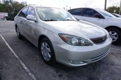 2004_Toyota_Camry_XLE_  FL