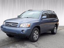 2004_Toyota_Highlander__ Columbus GA