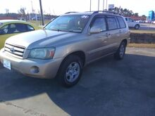 2004_Toyota_Highlander_2WD with 3rd-Row Seat_ Whiteville NC